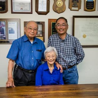 Robert Sakata (right) is also the recipient of the 2014 Grower Achievement Award. Photo credit: Tracey Pliskin