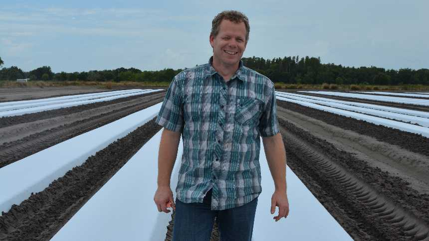 UF/IFAS researcher Nathan Boyd