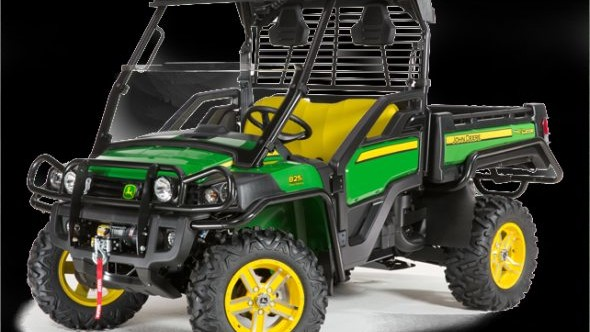 John Deere XUV 825i for web