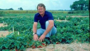 Fruit Breeding Industry Giant Passes Away