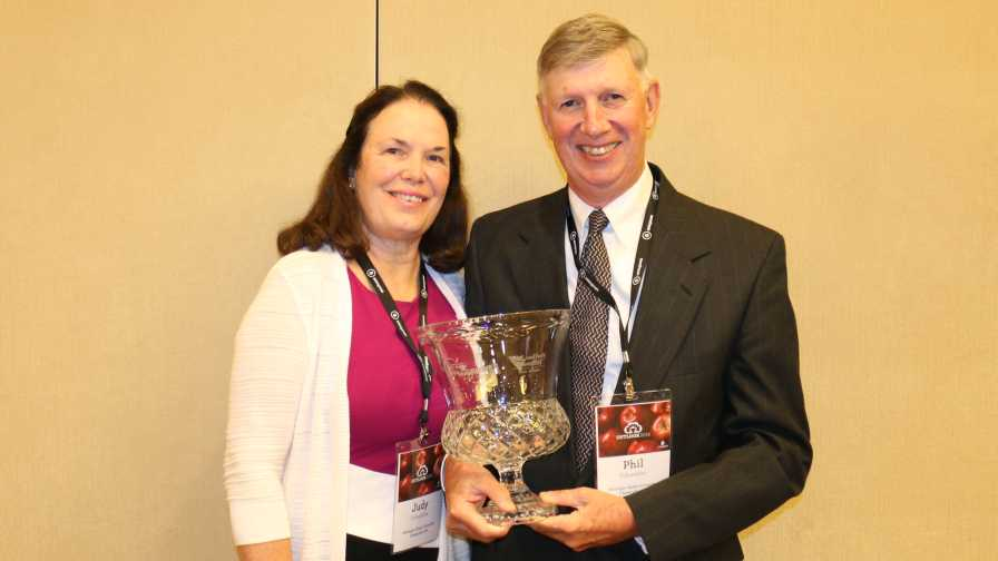 2018 Apple Growers of the Year Phil and Judy Schwallier