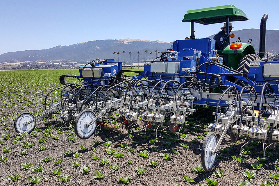 Robovator-Automated-weeding-machine-auto-Weeder