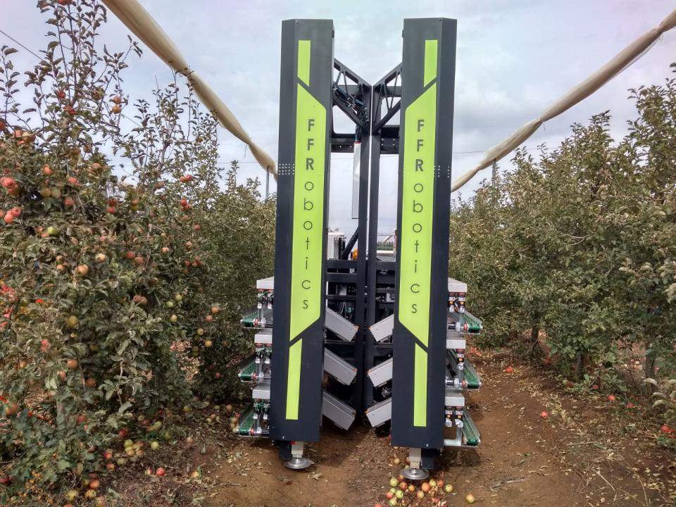 robotic apple harvester