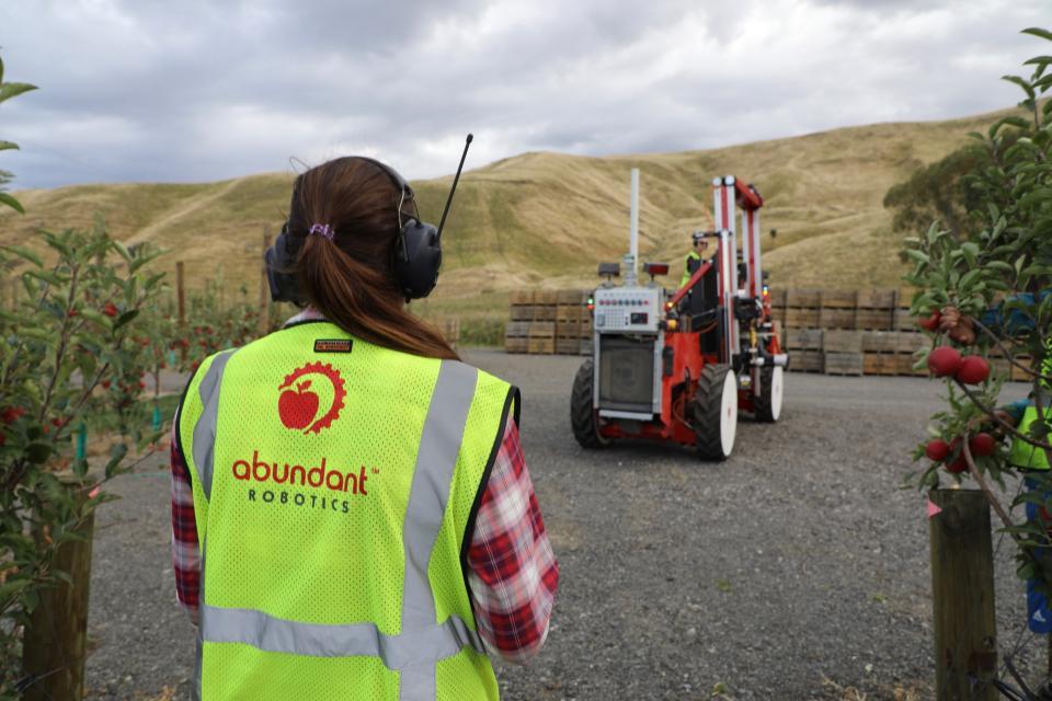Abundant Robotics Apple Harvester